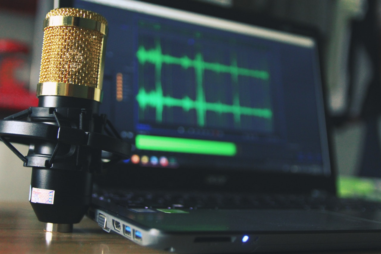 How to Ask a Guest to Be on Your Podcast